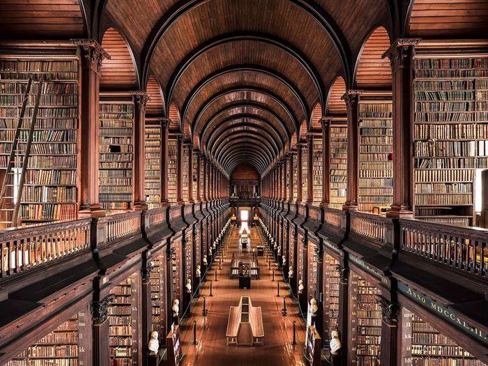 02 Il fascino e le differenze tra le più belle librerie d' Europa