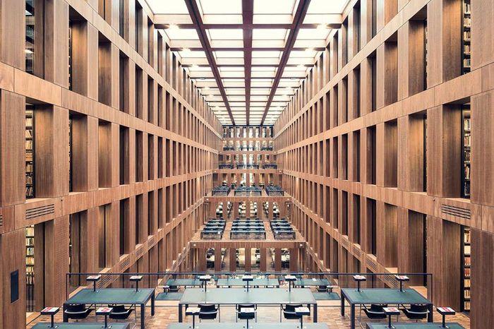 05 Il fascino e le differenze tra le più belle librerie d' Europa