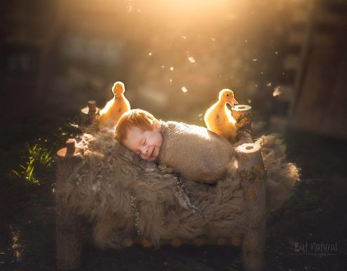 05 foto di neonati con animali
