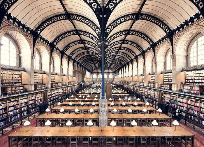 06 Il fascino e le differenze tra le più belle librerie d' Europa