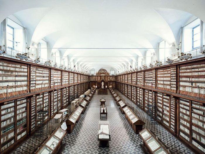 07 Il fascino e le differenze tra le più belle librerie d' Europa