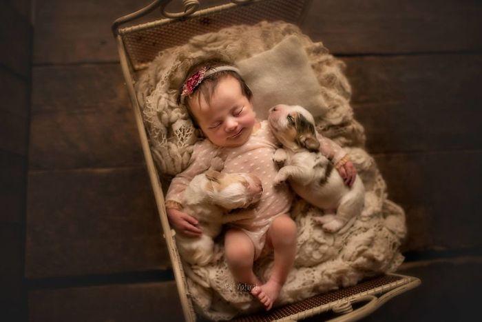 07 foto di neonati con animali