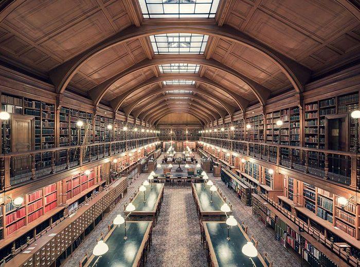 08 Il fascino e le differenze tra le più belle librerie d' Europa