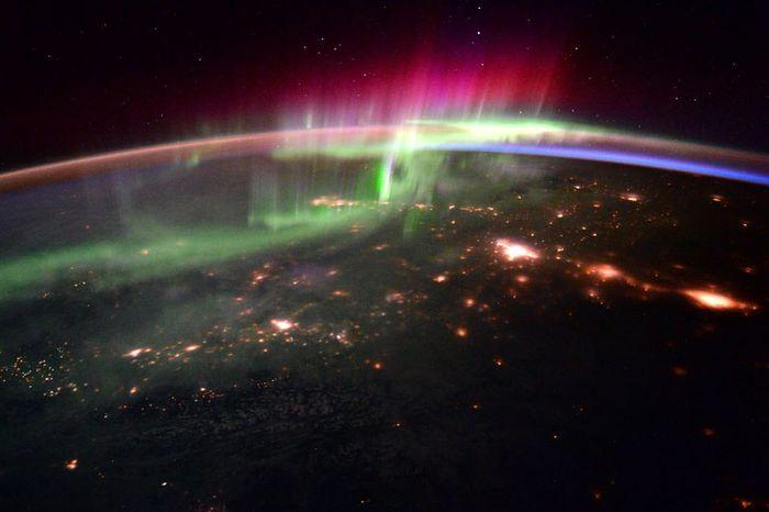 12 le più belle foto di aurore boreali della NASA