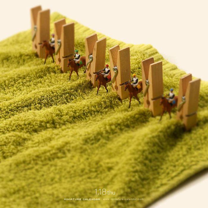 27 Questo artista dal 2011 ha creato una scena in miniatura ogni giorno