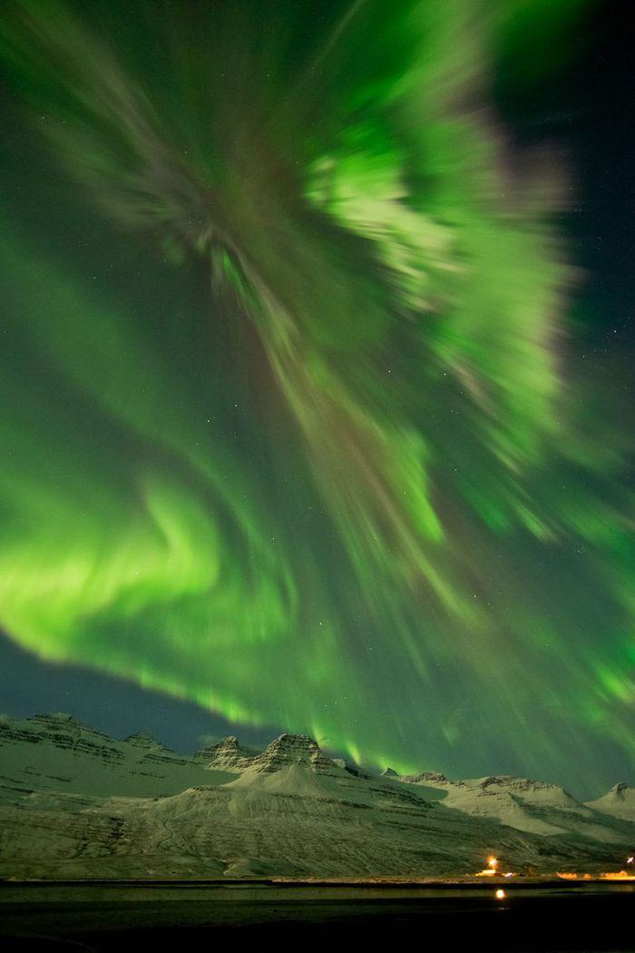 30 le più belle foto di aurore boreali della NASA