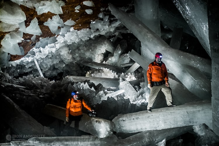 01 In una grotta del Messico i cristalli più grandi del mondo