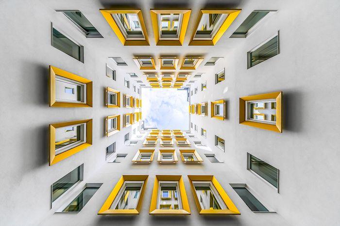 02 Le simmetrie architettoniche di Vienna nelle foto di Zsolt Hlinka