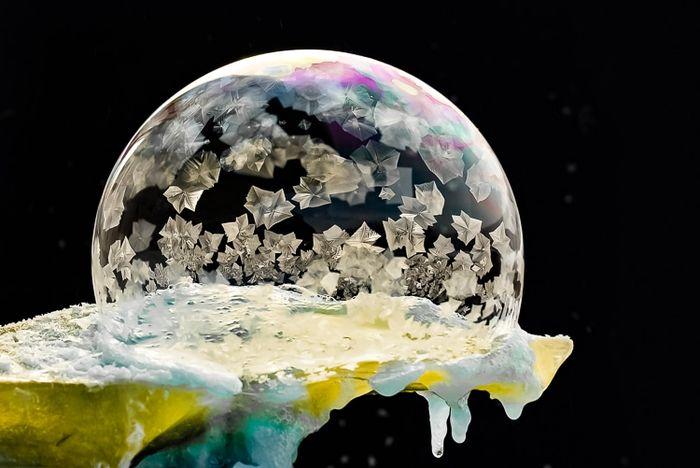 03 cristalli di ghiaccio dentro bolle di sapone