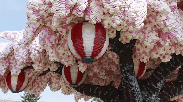 04 albero di ciliegio in fiore composto da oltre 800.000 matt