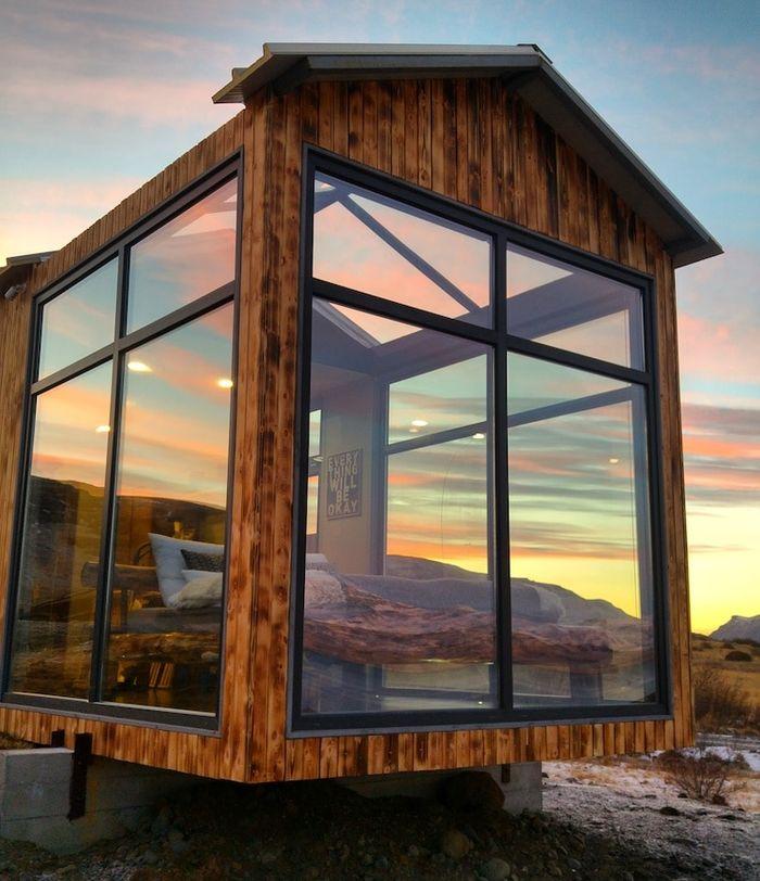 05 Ammirare l'aurora boreale in Islanda disteso su un comodo letto