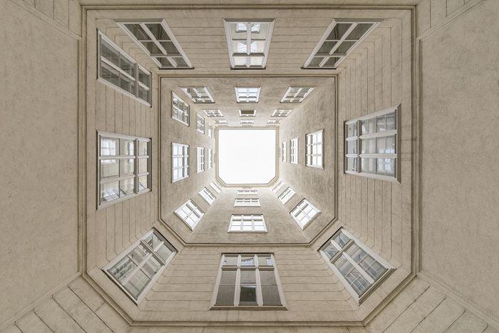 06 Le simmetrie architettoniche di Vienna nelle foto di Zsolt Hlinka