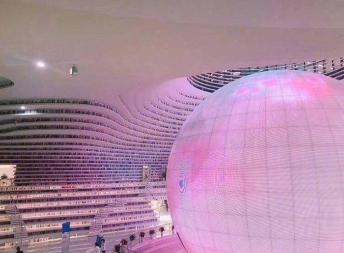 07 In Cina costruita una biblioteca che sembra uscita da un film di fantascienza