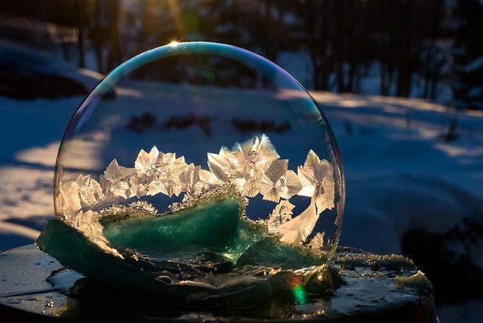 07 cristalli di ghiaccio dentro bolle di sapone