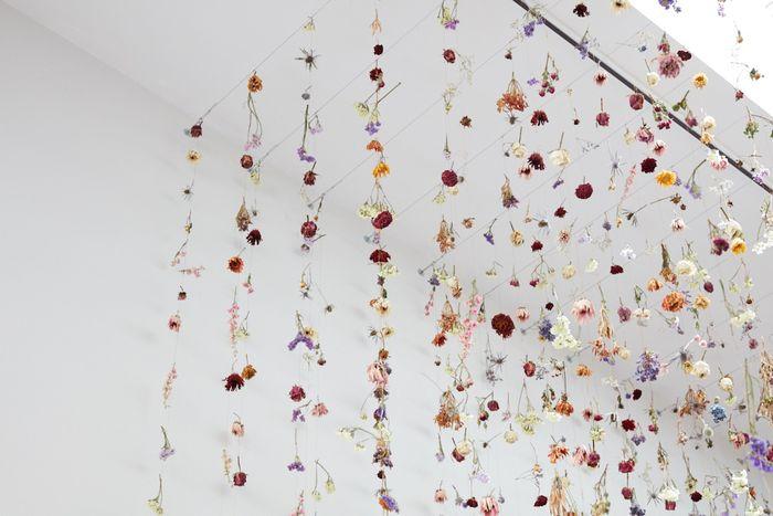 08 Gli allestimenti floreali di Rebecca Louise Law