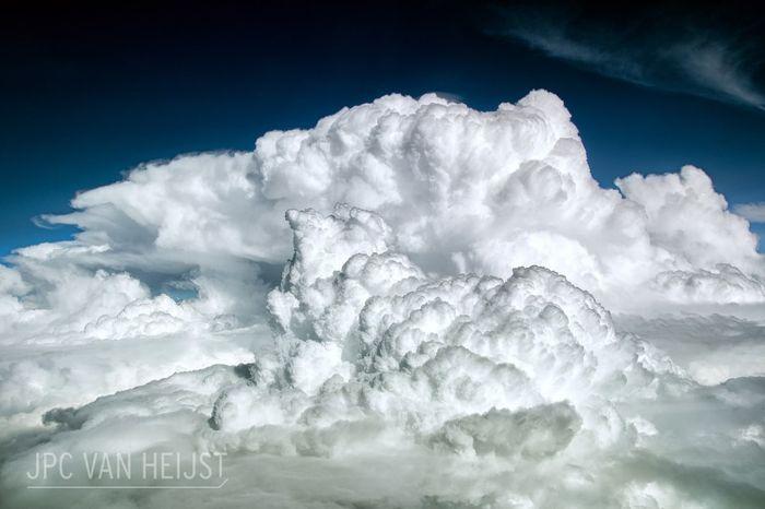 08 Il fascino dei temporali visti da sopra