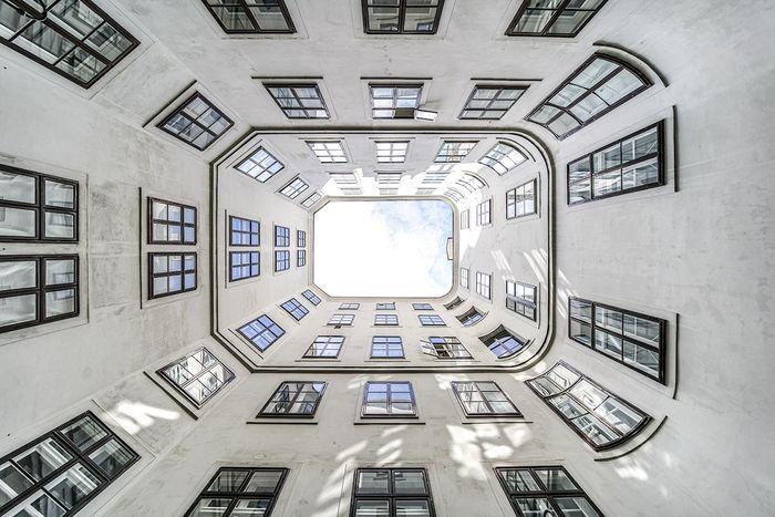08 Le simmetrie architettoniche di Vienna nelle foto di Zsolt Hlinka