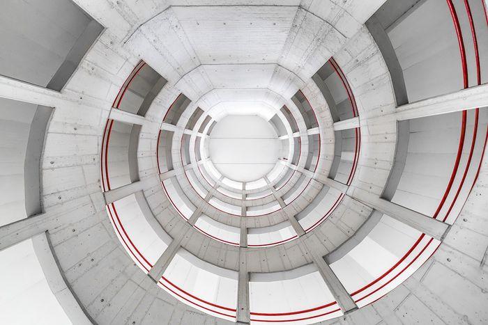 09 Le simmetrie architettoniche di Vienna nelle foto di Zsolt Hlinka