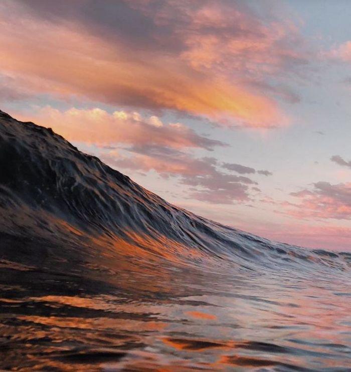 10 onde giganti dell'oceano nelle foto di Ryan Pernofski