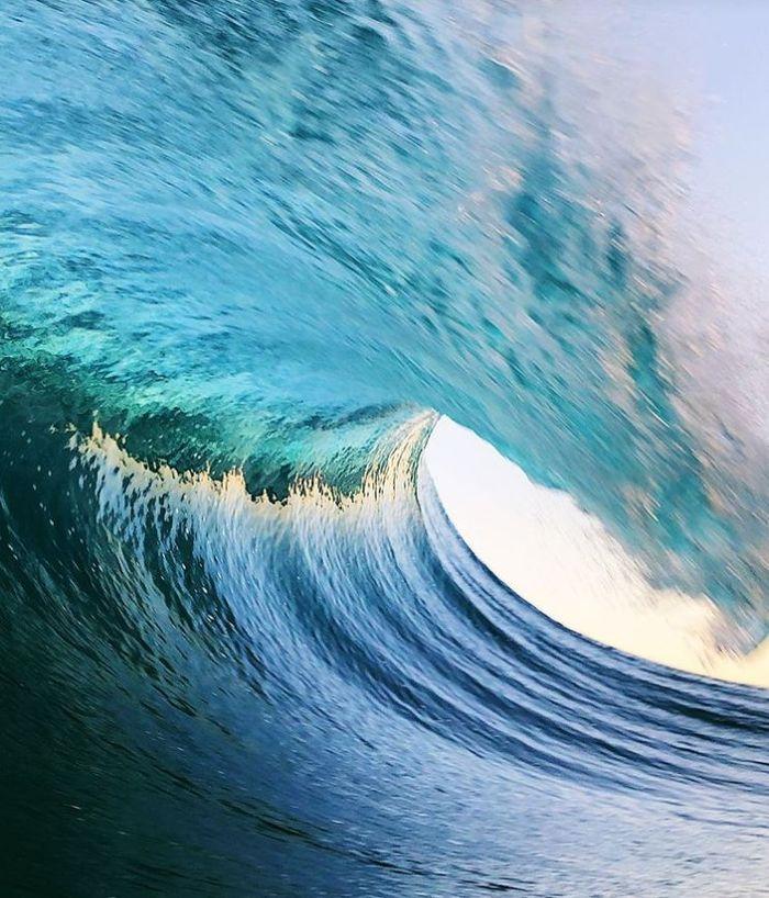 11 onde giganti dell'oceano nelle foto di Ryan Pernofski