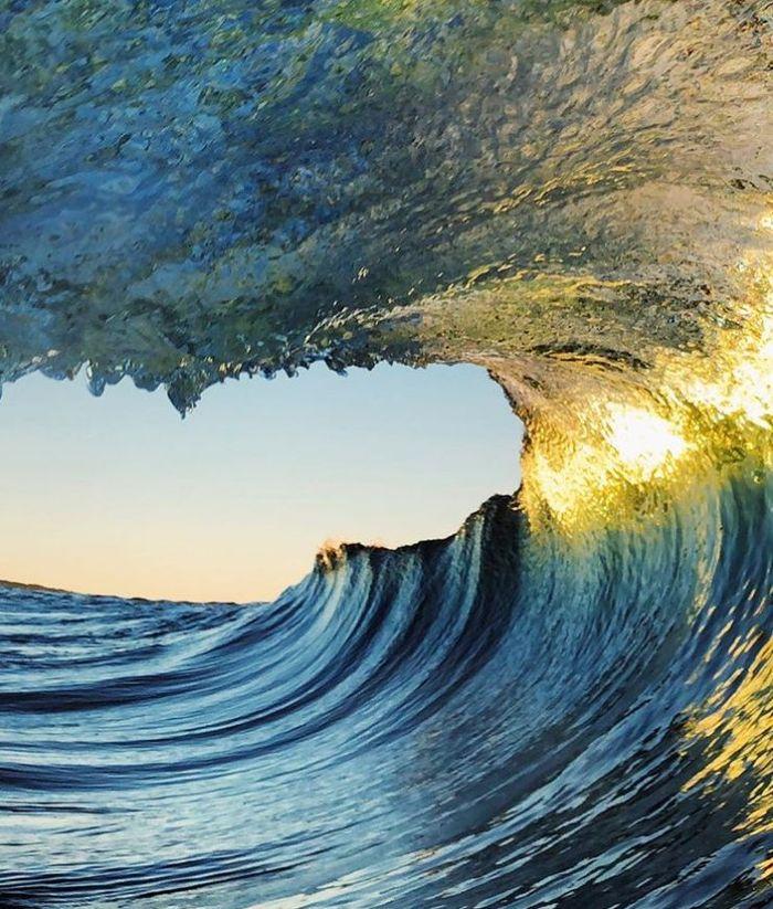 12 onde giganti dell'oceano nelle foto di Ryan Pernofski