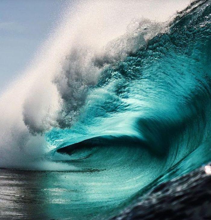 14 onde giganti dell'oceano nelle foto di Ryan Pernofski