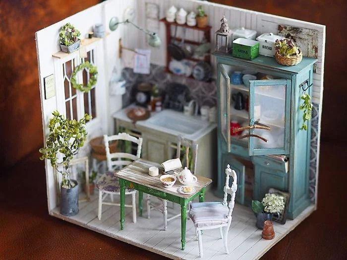19 case di bambole in miniatura