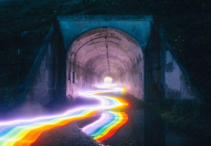 Arcobaleni che attraversano foreste città e oceani nelle foto di Daniel Mercadante