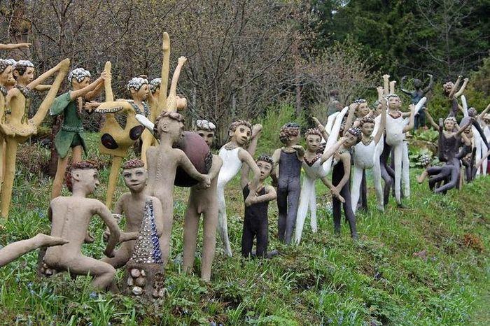 In Finlandia un parco con cinquecento sculture di figure umane