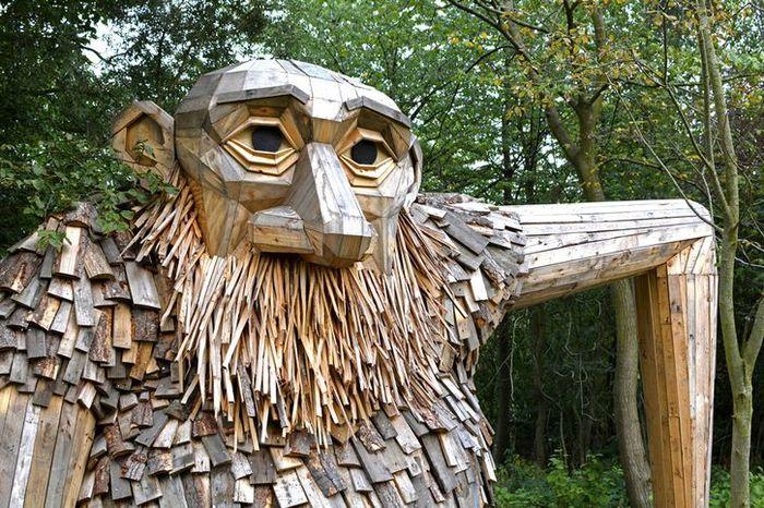 01 I giganti buoni dell'artista danese Thomas Dambo nascosti nella foresta di Copenaghen
