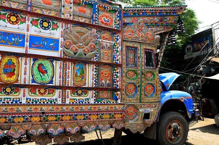 08 I camion Jingle del Pakistan