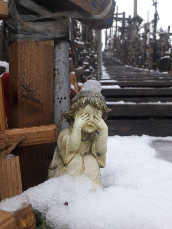 La misteriosa collina di croci nel nord della Lituania