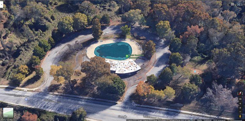 piscina-hawkins vista aerea di uno dei 19 luoghi di stranger things nella vita reale